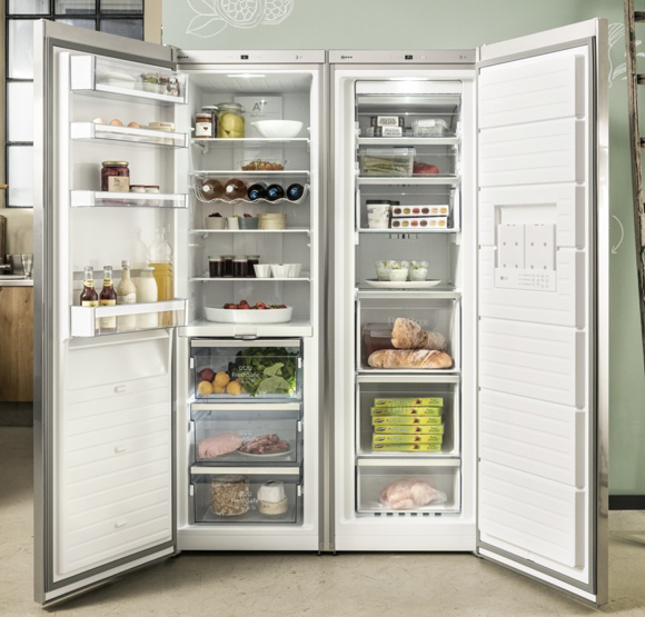 NEFF Freestanding American Fridge Freezer