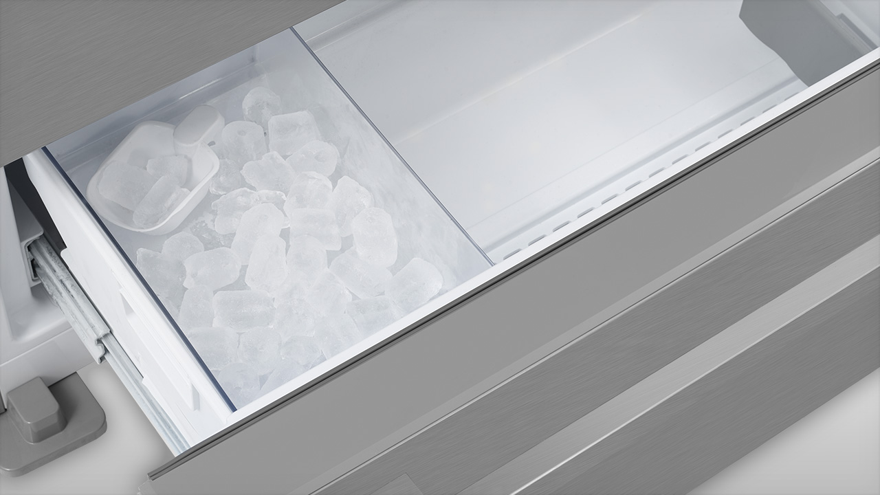 Blomberg Internal Ice Maker